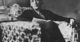 Virginia Woolf leyendo
