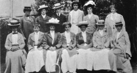 Group_of_female_top_tennis_players,_1902